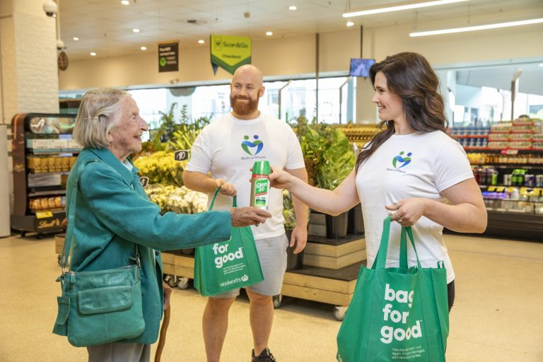 RB & Woolies donates Hygiene packs to Meals on Wheels